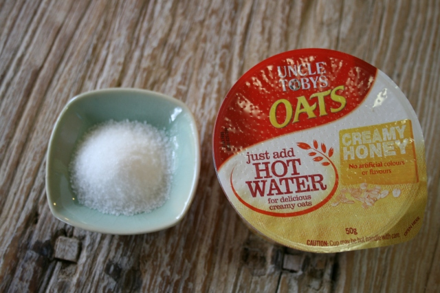 Oats ia a great choice for breakfast, if you make it yourself without added sugar. This handy portion has 11.7g of sugar.